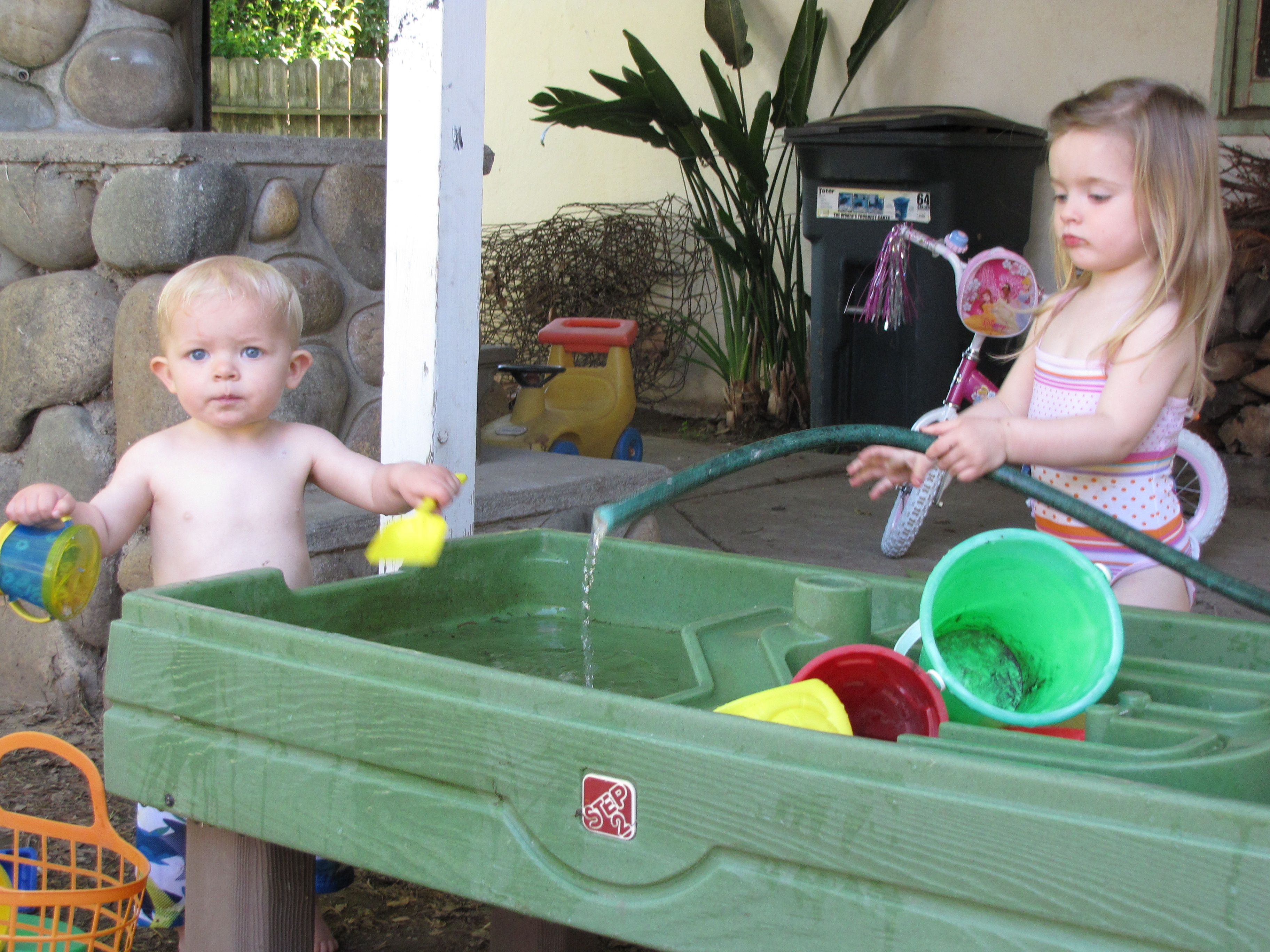 Free Fun Turtle SandboxPool and Water Table